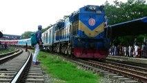 Dhaka kolkata Dhaka Maitree Express Train passing through Dhaka Airport Railway Station / India Bangladesh Train Service