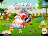 Et bébé baignade Californie pour Jeu des jeux jardin dans enfants petit des parents jouer le le le le la regarder disney
