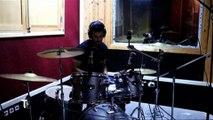 On vous présente Adel, un jeune batteur passionné et bourré de talent
