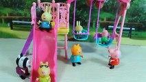 Amis et comme clin doeil dessin animé avec Masha Medved jouets cochon mungo était amusant pour son Peppo