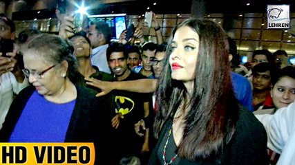 Aishwarya Rai And Aaradhya MOBBED By Fans While Returning From New York Vacation