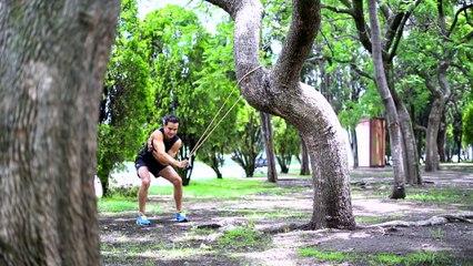 Vida Zen | Fortalece los músculos de la espalda usando una liga