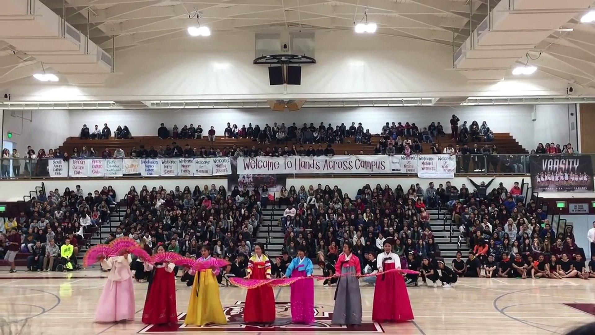 Torrance High School Hands Across Campus 2017 Korean Culture Club (fan dance & K POP)