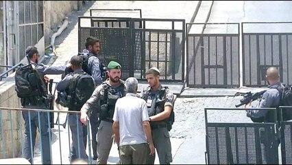 Abbas freezes contact with Israel over al-Aqsa tensions
