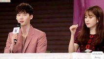"[Honey Couple] Lee Jong Suk & Han Hyo Joo ""Sweet Moments"" Clapping at W Two Worlds Press Conference"