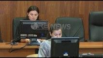 Ora News - Pendesë për vrasjen e babait në gjykatë: Ishte i mrekullueshëm, do më falë
