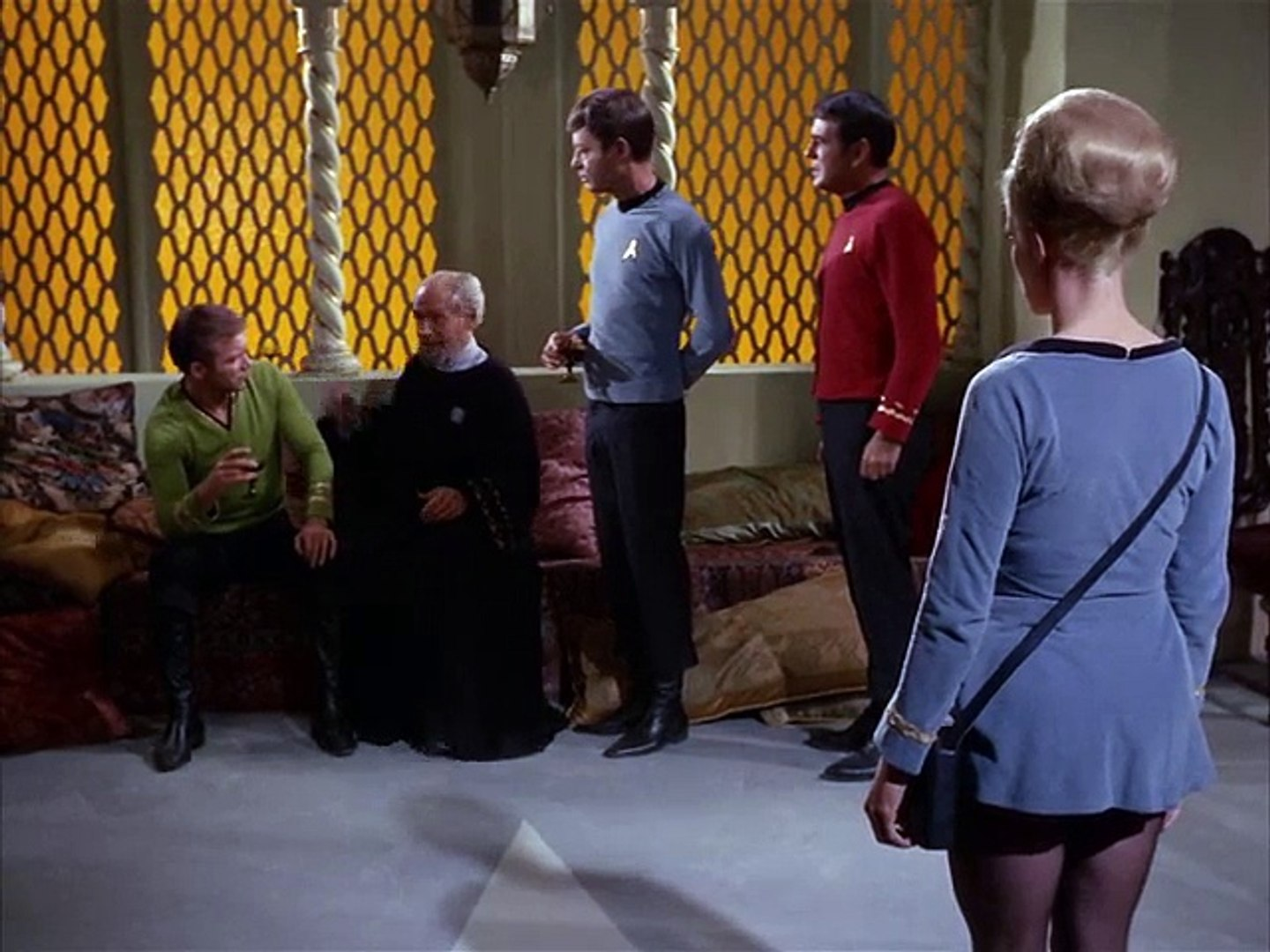 Star Trek S02E07 Wolf in the Fold - video dailymotion