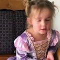 Cette petite fille n'est vraiment pas impressionnée par son voyage à Disneyland
