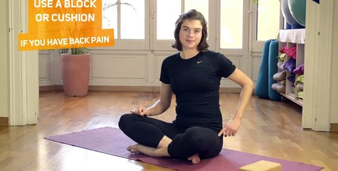 How to in 60 seconds Pilates Spine twist