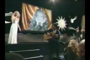 """Le superbe duo Vanessa Paradis-Jeanne Moreau sur """"Le tourbillon de la vie"""""""