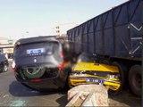 Vidéo- Un bus transportant des étudiants percute un camion chargé de ciment, 2 morts et plusieurs blessés…Regardez - Dakarbuzz