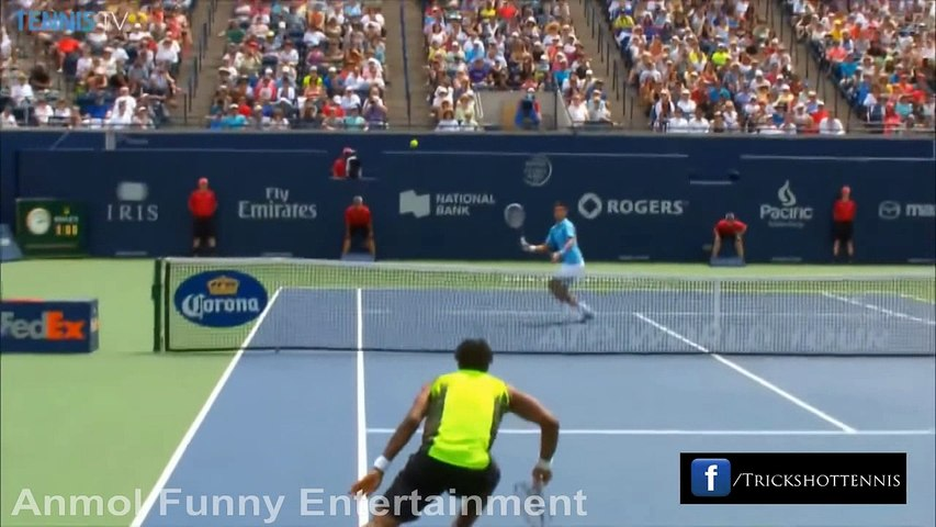 World's Most Amazing Tennis Trick Shots
