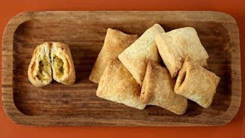 Baked Aloo Puff Recipe | How To Make Aloo Patties | Evening Snacks | Homemade Veg Puff | Upasana