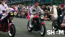 Concours de bruits de moteurs de motos... comme de vrais DJ électros !