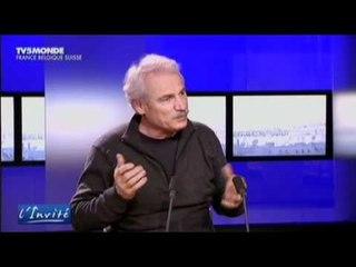 """Yann arthus-Bertrand : """"L'écologie doit faire changer de politique"""""""
