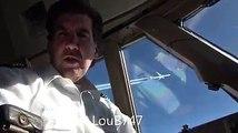 Des pilotes de deux avions différents s'échangent des photos à 11000m d'altitude