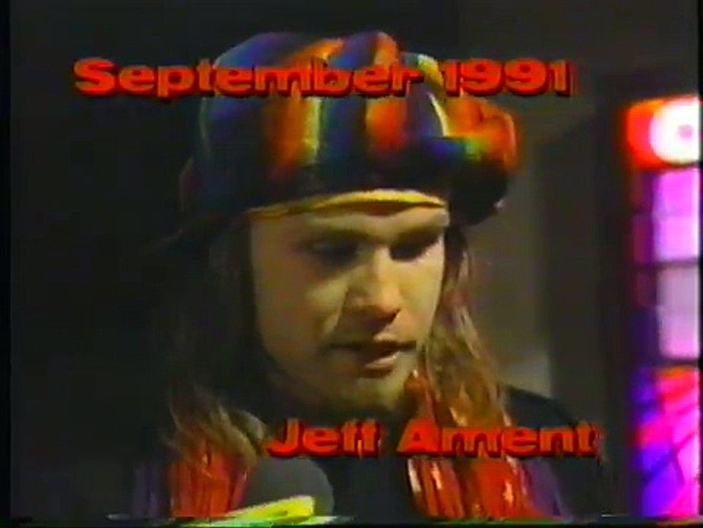 Eddie Veddar , Stone Gossard and Jeff Ament interview on Much Music 1992
