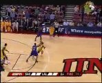 Kwame Brown throws down a one-handed jam off the alley-oop p