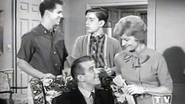 Leave It To Beaver - S06E22 - Beaver On TV