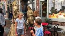 Marche: Festival de statues vivantes