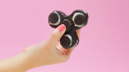 Curb Anxiety and Hunger With This Oreo Fidget Spinner