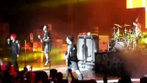 Blink 182 ft Gerard Way ( My Chemical Romance ) First Date HD