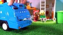 アンパンマン ゴミ収集車 ポイポイブーブーみたいにゴミをあつめよう!誰のおうちにいこうかな? ❤ はたらくくるま 車 自動車 メロンパンナ おもちゃ アニメ トイ キッズ anpanman