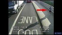 Londres: Les caméras de sécurité filment un jogger qui fait tomber une passante devant un bus et qui poursuit sa route