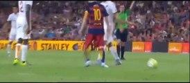 Messi groped, strangled Roma player Barca 3-0 vi-Messi húc đầu, bóp cổ cầu thủ Roma ở trận Barca thắng 3-0 trước As Roma