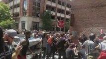 Une voiture fonce dans les manifestants anti Nazi en Virginie !