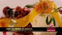 Tort cu cremă de brânză pe pământ cu sos din fructe de pădure și jeleu de mango