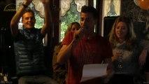 Johan zingt tijdens zijn welkomsfeestje