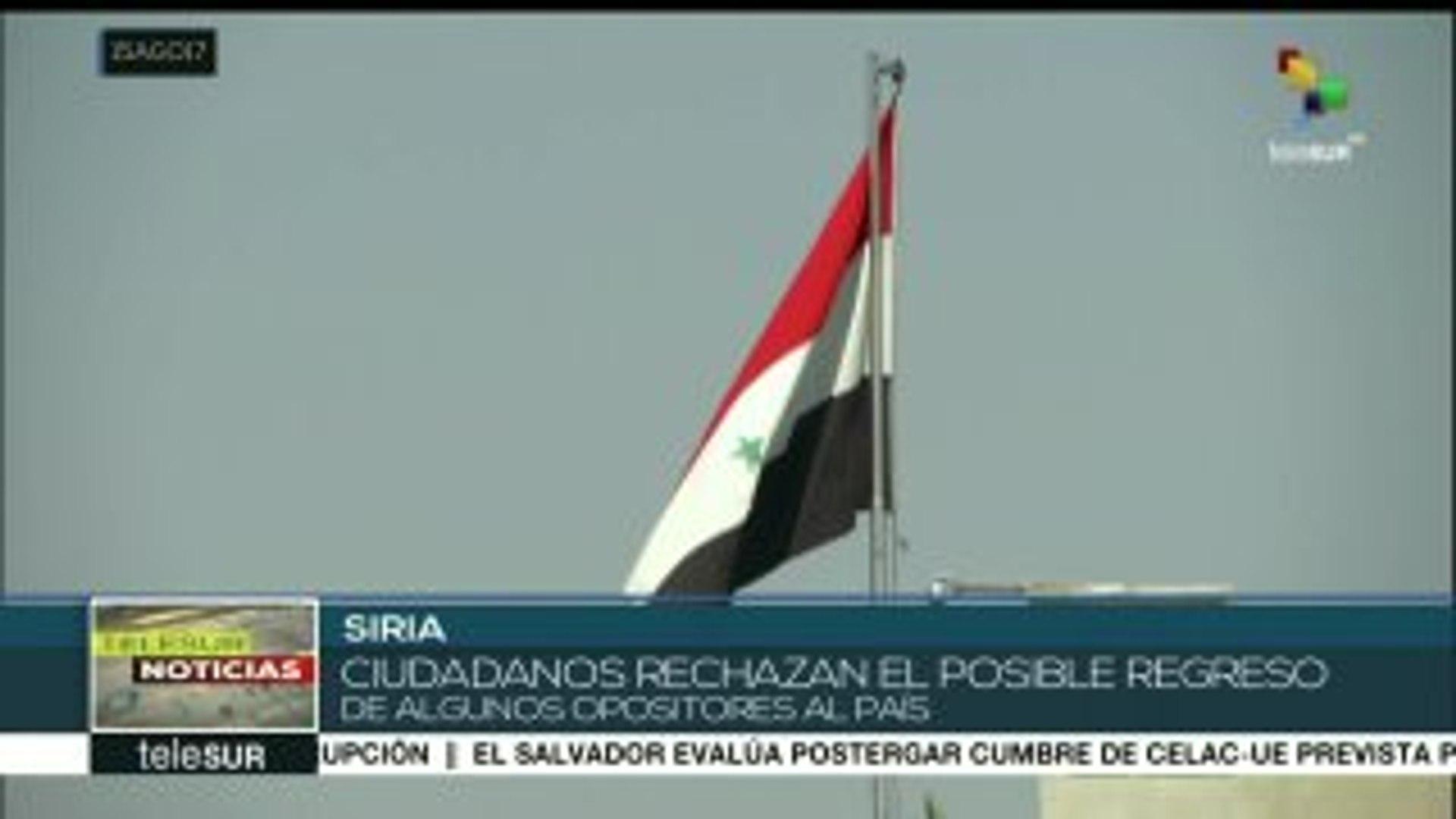 Unos 300 armados sirios retornan al país desde el Líbano