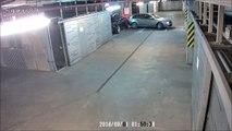Cet automobiliste bourré défonce tous les murs en sortant d'un parking !