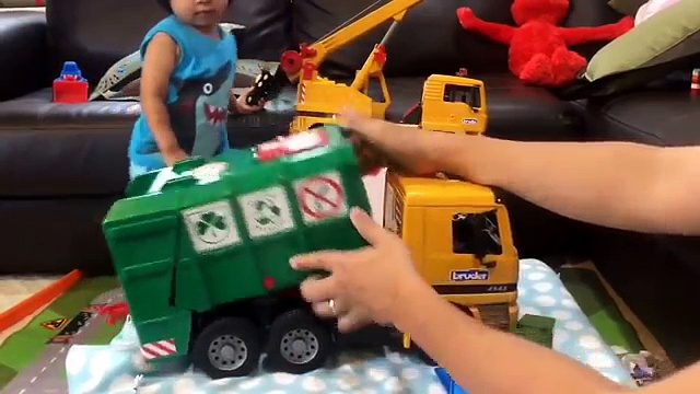 Toy Trucks for Kids – Garbage Trucks, Sanitation Trucks, Recycling Trucks, Street Sweepers