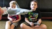 Et a mangé Il mystère de de tarte requin le le le le la jouet la télé Quelle ce qui Extremetoys