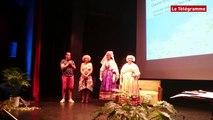 Guingamp. Saint-Loup : le cercle de Guissény présente les costumes de Pagan