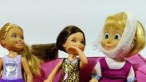 Clin doeil avec M. grignoteuse traite médecin dents en peluche fait un coup à jouer des jouets en pâte à modeler