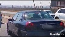 Il provoque un grave accident et décide de prendre la fuite, il se fait bloquer par 2 automobilistes !