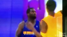 Kobe Bryant détruit JR Rider à l'entraînement