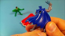 Et homme chauve-souris audacieux courageux content des gamins repas Nouveau de de examen Ensemble le le le le la vidéo 8 jouets mcdonalds