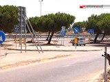"""TG 04.07.12 Migranti del Cara """"a spasso"""" sui binari per prendere il bus"""