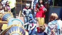 Civile gelé amusement amusement dans vie la magie Magie Lundi parodie réal homme araignée super-héros contre guerre elsa