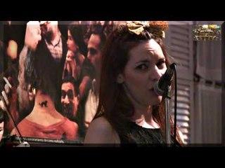 La Romantica Milonguera orquesta con la voz de Marisol Martinez, Salón Canning