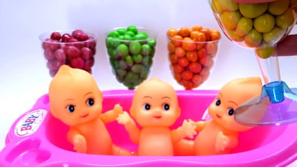 Learn Colors M&Ms Chocolate Baby Doll Bath Time With Nursery Rhymes Finger Family Song.