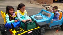 Y coches Policías descarga fuego hola hola hola ¡hola ¡hola Niños bote poder camión camiones ruedas pensar nerf s