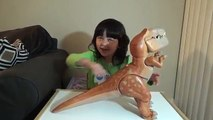 The Good Dinosaur Toys! Galloping Butch, Talking Arlo and ThunderClap Launcher Dinosaur To
