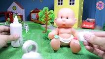 Dans le jeunes filles enfants pour et comme dessins animés Poupée pupsiki eva Antoshka vidéo jouant filles et les mères