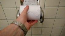 Un porte-papier toilette japonais astucieux