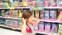 TOYS R US TOY HUNT SHOPPING SPREE BARBIE SHOPKINS SEASON 7 MONSTER HIGH MC2 HATCHIMALS TOY